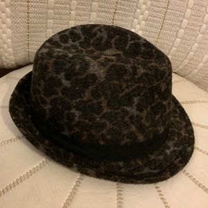 Buckle Accessories - Wool Fedora style hat NEW